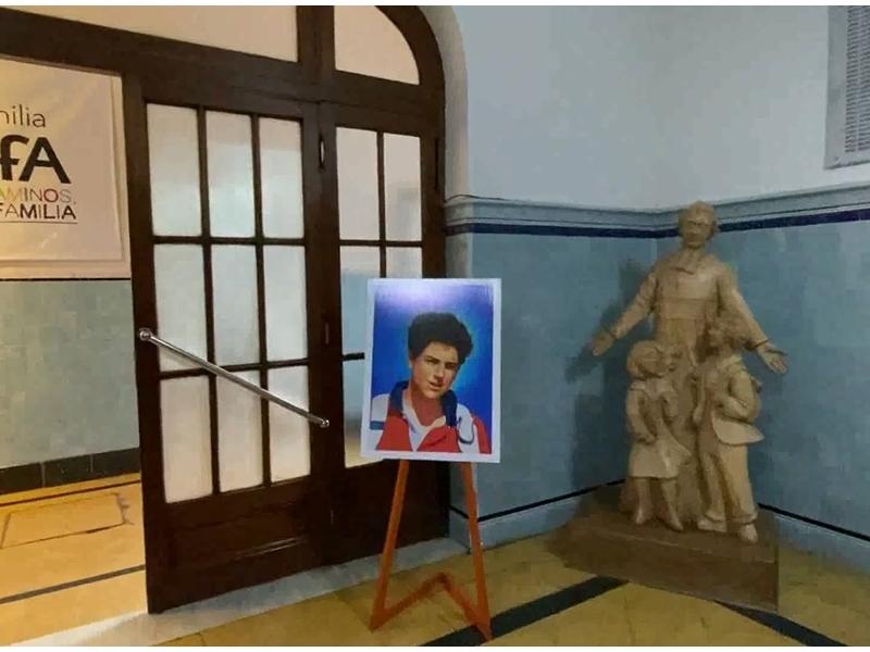 Visita de Reliquias y muestra de Milagros Eucarísticos - Beato Carlo Acutis - Colegio San José Tandil