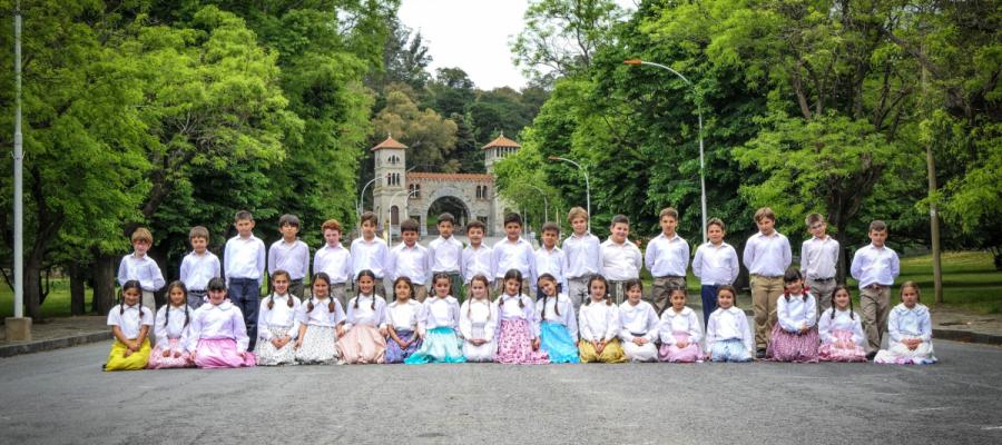 San José baila - Colegio San José Tandil